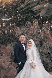 الشرق الأوسط نيوز  ..  تهنئ « عائلات أنور» و « العروسين » بالزفاف السعيد