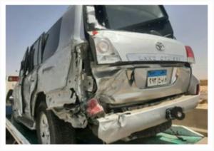 أول صور لحادث وزير الشباب والرياضة على الطريق الصحراوي
