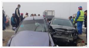 مصرع 3 أشخاص وإصابة 12 آخرين فى تصادم علي الطريق الغربى بأسوان