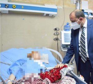 زيارة رئيس جامعة بني سويف لطالبة جامعية مصابة بشلل الاطراف و دفع 200 الف لعلاجها